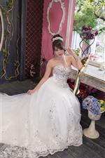 iPhone壁紙のプレビュー 美しい花嫁、中国の女の子、部屋、時計