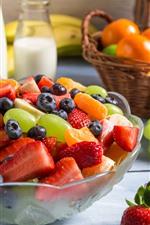 iPhone壁紙のプレビュー フルーツサラダ、ブドウ、イチゴ、ブルーベリー、ミルク