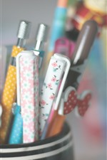 Preview iPhone wallpaper Many pens, pen holder