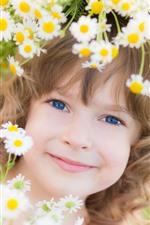 iPhone обои Улыбка маленькая девочка, ребенок, цветы, венок