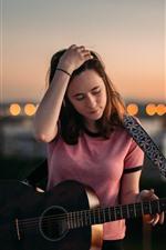 iPhone壁紙のプレビュー 若い女の子、ギター、夕暮れ、市