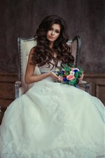 Linda garota, noiva, cabelo encaracolado, flores