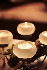 Quatro velas, chama, natureza morta, nebulosa
