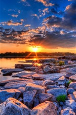 iPhone обои Многие камни, озеро, закат, природа пейзажа