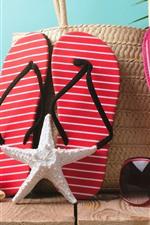 Морская звезда, шлепанцы, солнцезащитные очки, шляпа, натюрморт