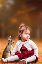 Menina bonitinha, criança, coelho