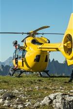 Aperçu iPhone fond d'écranHélicoptère jaune, montagnes