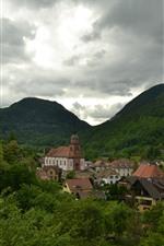 iPhone обои Франция, горы, дома, город, деревья, облака
