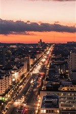 iPhone обои Германия, город, дорога, автомобили, дома, огни, ночь, облака