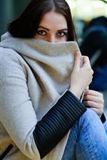 iPhone обои Девушка, смотреть, пальто, маска