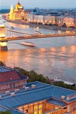 iPhone обои Венгрия, Дунайская река, мост, город, вечер, огни