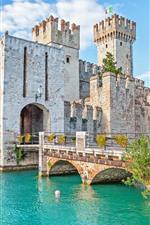 Preview iPhone wallpaper Italy, Verona, castle, bridge, river