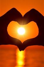 Aperçu iPhone fond d'écranAmour coeur, mains, soleil