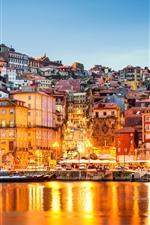 Vorschau des iPhone Hintergrundbilder Portugal, Hafen, Häuser, Lichter, Fluss, Stadt, Abenddämmerung