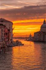 Vorschau des iPhone Hintergrundbilder Venedig, Stadt, Fluss, Boote, Sonnenuntergang, Orange Himmel, Wolken