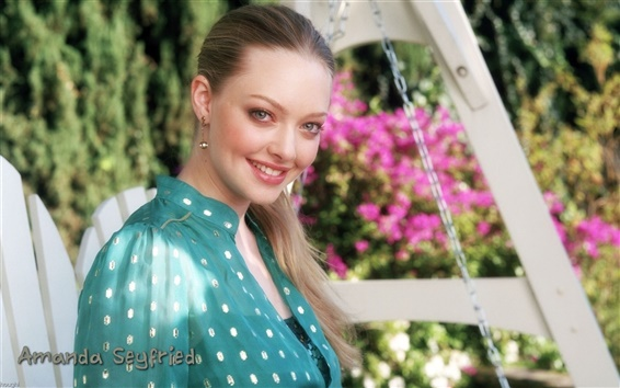 Wallpaper Amanda Seyfried 01