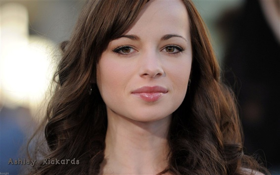 Fond d'écran Ashley Rickards 01