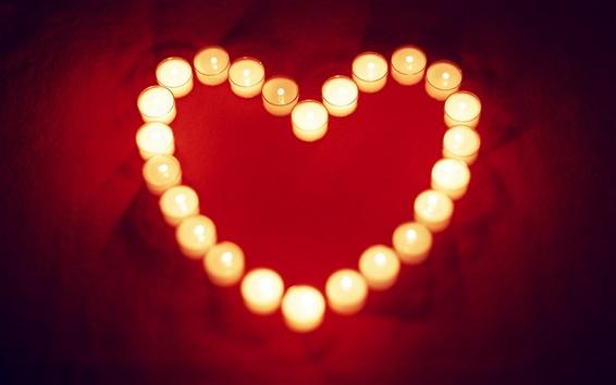 Fond d'écran Chaleureuse et aimante bougie en forme de coeur