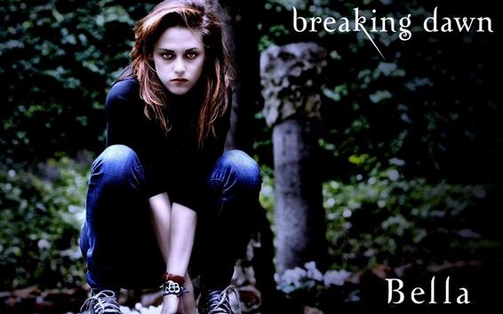 Wallpaper Bella hunting in The Twilight Saga: Breaking Dawn