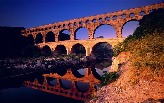 Wallpaper Pont du Gard Languedoc-Roussillon in France