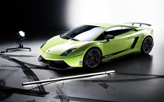 Wallpaper Green Lamborghini