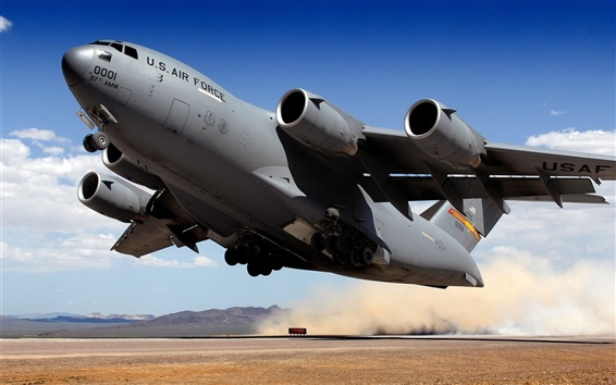 배경 화면 군사 항공기 이륙 전송