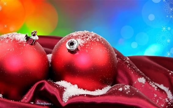 壁紙 青い背景の赤いクリスマスボール