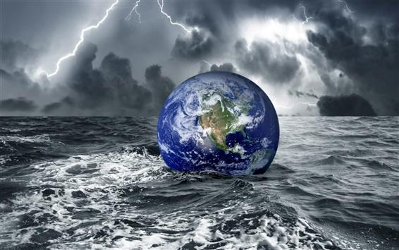 Обои Земли в воде при темноте