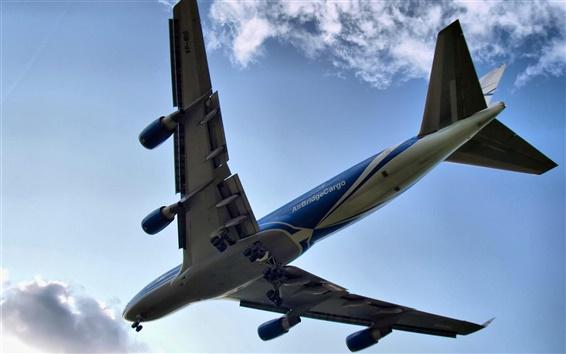 Wallpaper Boeing 747 flying clouds