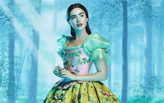 Wallpaper Lily Collins in The Brothers Grimm: Snow White