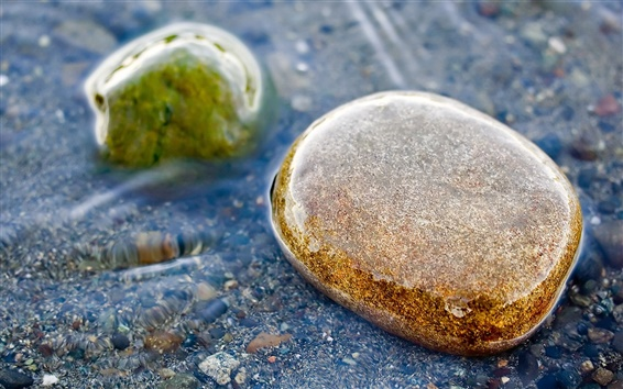 Wallpaper Pebbles in water