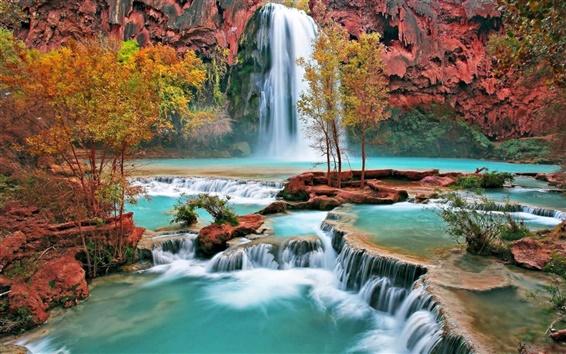Обои Красивый водопад осенью