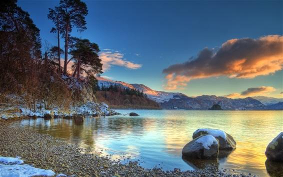 Обои Ранний снег в озеро и горы