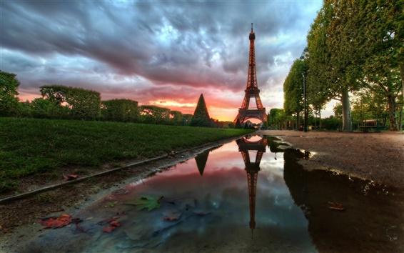 Fond d'écran Tour Eiffel au coucher du soleil