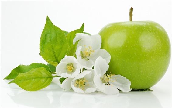 Обои Зеленое яблоко с яблоком цветы крупным планом