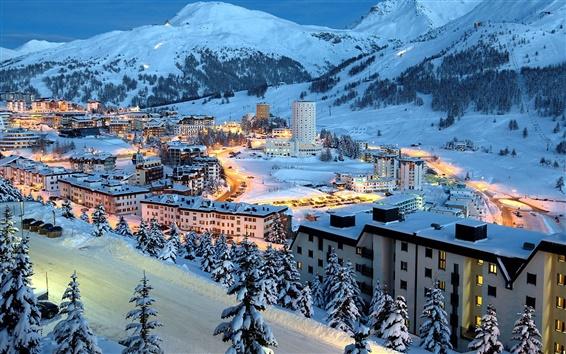Fond d'écran Ville de l'hiver montagnes de neige la nuit