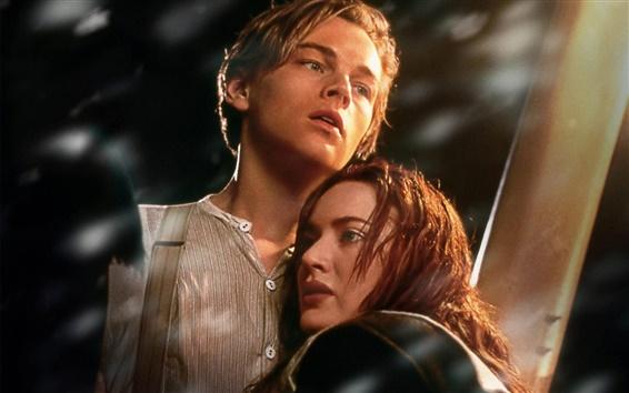 Wallpaper Leonardo DiCaprio and Kate Winslet in Titanic