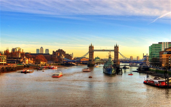 Papéis de Parede Inglaterra London Bridge navios fluviais ao pôr do sol