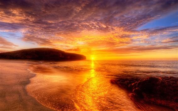 Обои Красный закат пляж и небо