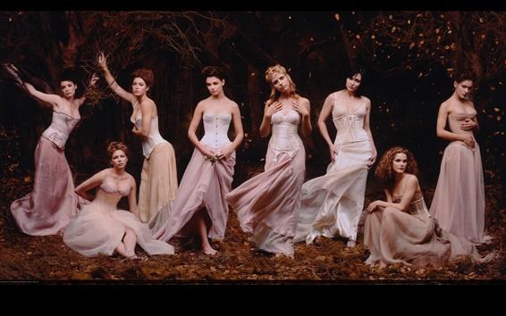 Fond d'écran Huit belles filles sur la scène
