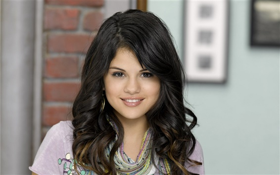 Обои Selena Gomez 04