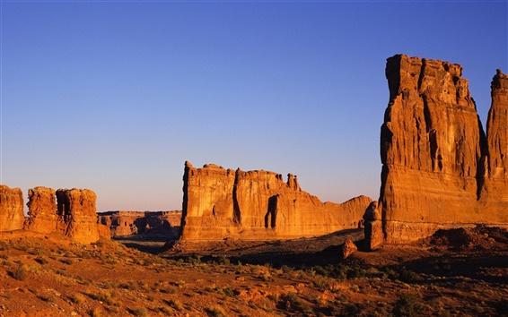 Fond d'écran Roches chaudes et arides du désert