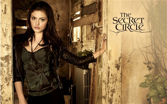 Wallpaper Phoebe Tonkin in The Secret Circle