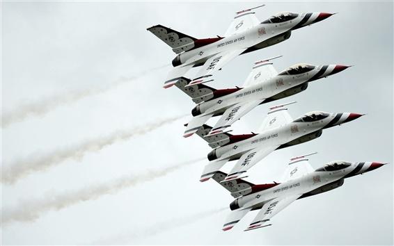 Fondos de pantalla Dynamics F-16 de combate