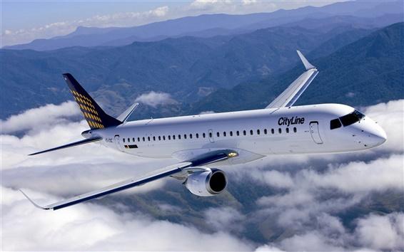 Обои Небо с белыми облаками, пассажирский самолет