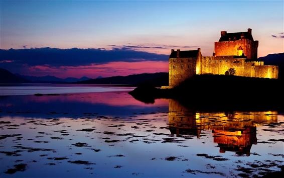 Wallpaper Twilight beauty of the sunset, lake castle reflection