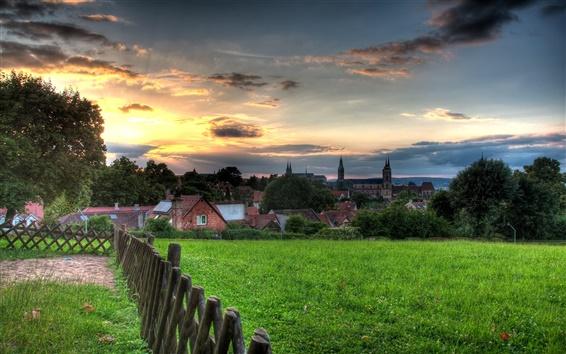Fond d'écran Bamberg beau paysage, coucher de soleil, les maisons, herbe, nuages