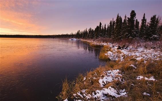 Fond d'écran Coucher de soleil paysage, hiver lac et des arbres