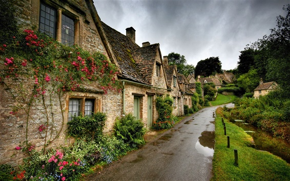 Wallpaper Village scenery, road, houses, flowers, green grass, cloudy