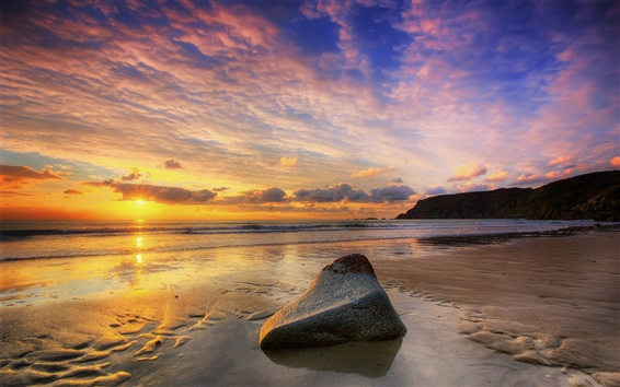 Fondos de pantalla Playa de la puesta del sol, sol, mar, cielo nublado, piedra